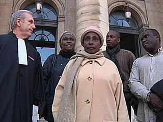 Le tribunal administratif de Versailles accorde un sursis à la veuve de Juvénal