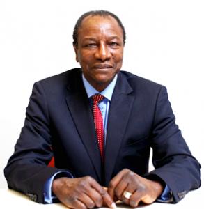 Guinée: Alpha Condé a prêté serment comme président