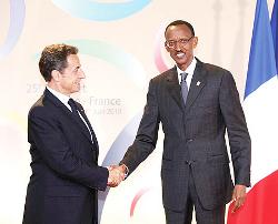 Présidents N. Sarkozy et P. Kagame à Nice, France