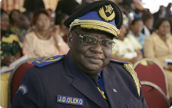 RDC-Procès Chebeya: le chef de la police de Kinshasa, le général Oleko, mis en difficulté