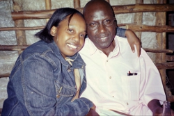 Runyinya-Barabwiliza en compagnie de sa fille cadette