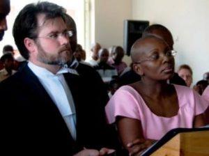 Ingabire en compagnie de son avocat