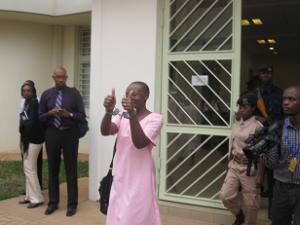 Victoire Ingabire Umuhoza à la sortie d'une audience