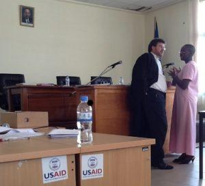 Victoire Ingabire en compagnie de son avocat britannique