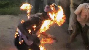 Un jeune qui s'immole en Tunisie source@tunivisions.net