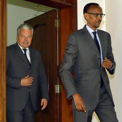 Didier Reynders et Paul Kagame - source: 7sur7