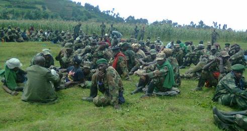Les soldats et officers congolais en fuite source: Kigalitoday