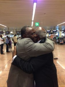 Gerard Karangwa et Faustin Twagiramungu à l'aéroport de Zaventem le 20 juin 2013