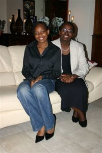 Victoire Ingabire en compagnie de Raïssa, sa fille ainée