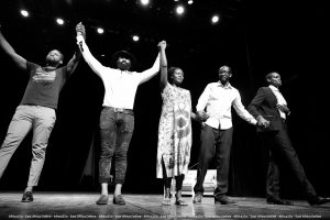 Urwango Ngukunda: «une pièceémouvante, grave mais rafraichissante de vérité et d'humour»