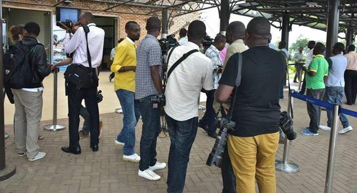 Tous les médias rwandais étaient présents pour le retour au pays de l'Abbé Nahimana