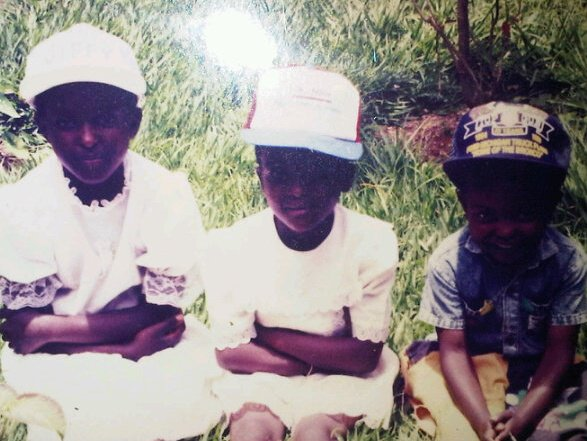 Angelique, Sylvie et Maxime, le 4 avril 1994.
